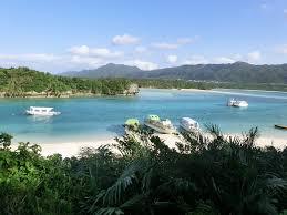 沖縄旅行中だが、海で泳いでソーキソバ食って釣りしてきたわ